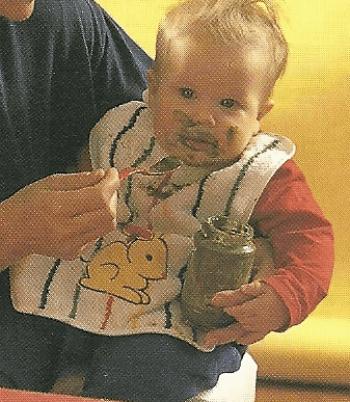 Babynahrung - das Basiswissen ein Baby isst anders als größere Kinder
