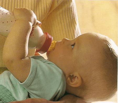 Die Alternative Säuglingsnahrung zum Stillen